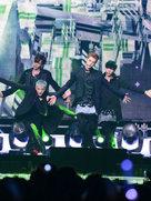 EXO演唱会开唱 劲歌点燃全场-韩国男明星
