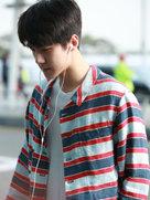 EXO私服街拍 堪称行走的衣架-韩国男明星