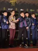EXO帅气亮相音乐盛典 获赞星途无限-韩国男明星