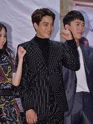 EXO接受画报拍摄采访 全新造型帅到炸裂-韩国男明星