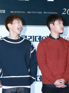 EXO接受采访 与主持人有说有笑心情大好-韩国男明星