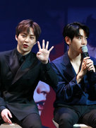 EXO接受专访 欧巴可爱与帅气兼备-韩国男明星
