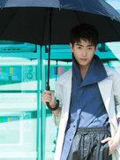 崔航夏日街拍曝光 充满了雄性荷尔蒙的味道-中国男明星