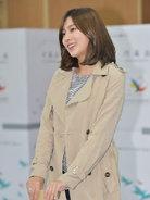 APINK出席慈善活动 气质出众笑容甜美-韩国女明星