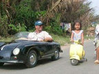 成人和小孩都能开的超迷你跑车-奇闻趣事