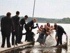 笑翻众人的另类婚礼照-雷人恶搞