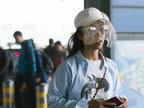 机场变秀场?吉克隽逸亮相机场网纱帽抢镜-八卦爆料