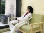 鞠婧�t穿跆拳道服气质清新 帅气高踢腿 -娱乐组图