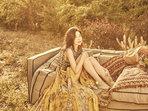 张��琰森系写真曝光 化身森林精灵-中国女明星