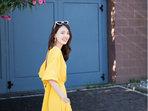 杨之楹夏日写真曝光 穿长裙清新度假风-中国女明星