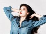 泫雅最新写真曝光 全身牛仔LOOK秀凹凸身材-中国女明星