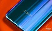 每个角度都是独一无二的色彩 荣耀10手机多图赏析_手机酷品秀