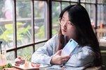 多彩下午茶 vivo X23幻彩版美女图赏_手机酷品秀