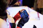 小姐姐带你畅玩90帧 红魔3发布会现场图赏_手机酷品秀