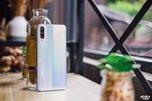 iQOO羽光白图赏:显山露水的科技时尚大作_手机酷品秀