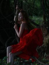 实拍红裙美女唯美写真 小姐姐美翻了!-小清新