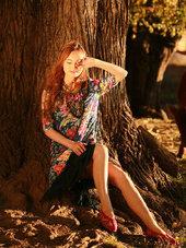 美女模特民族服饰写真 演绎多彩民族风-小清新