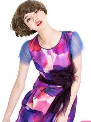 《嘉人》时装大片  最新写真 演绎初秋随性时尚