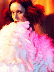 时装造型设计 湿发红唇演绎性感
