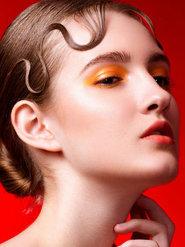 盘湿发红唇演绎性感的摄影造型