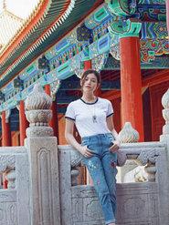 陈妍希夏日游故宫 首次跨界变珠宝设计师