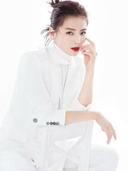摩登新女性!刘涛穿西装帅气 性感红唇吸睛