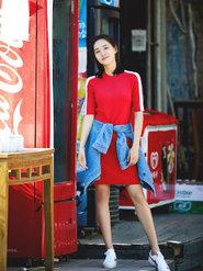 王智一身红衣露小细腿  清纯似邻家女孩