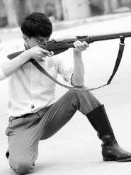 马天宇身姿挺拔如白杨 展现军人刚强坚毅的精神面貌