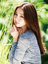 申世景最新寫真美翻 果然是自然派氣質女神!