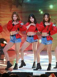 AOA演唱会再爆美照 妩媚身姿无限诱人