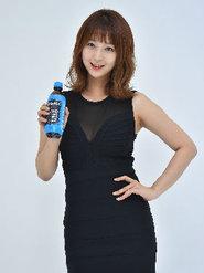 韩国女团EXID高清海报 简约知性又不失甜美