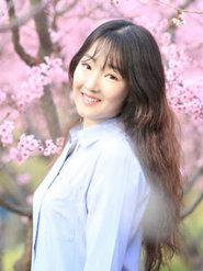 清纯摄影户外写真 面带甜笑表情娇羞
