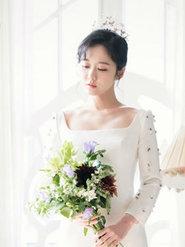 37岁张娜拉拍婚纱写真 演绎高贵华丽气质