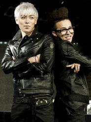GD&TOP集体现身 全黑LOOK帅气满分