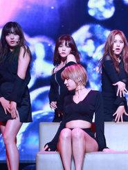 AOA演唱会燃爆全场 粉丝热情如火几度失控