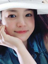 """陈妍希晒素颜美照 化身为""""小粉丝""""花式追世界杯"""