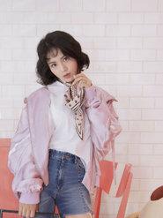 歌手黄英最新写真 灵动优雅个性时尚