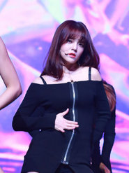 AOA演唱会high翻现场 全场欢呼应援不断