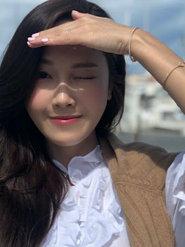 Jessica郑秀妍托腮自拍 大眼睛狂放电