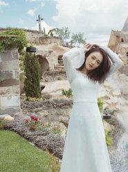陈乔恩拍摄的封面大片 漫游浪漫之都