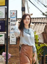 王晓晨化身酷帅girl 诠释个性女王街头美学