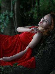 红裙美女意境写真摄影 仙女气息十足!