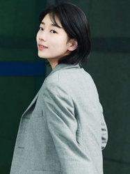 秀智变成熟了 短发干练化身职业女性-韩国女明星