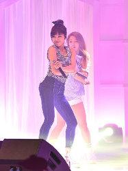 APINK演唱会引爆全场 与乐迷一起嗨翻天-韩国女明星