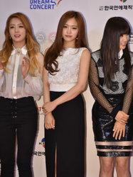 APINK亮相音乐节 满满的时尚感扑面而来-韩国女明星