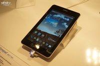 华硕MWC展示7英寸跨界新品 FonePad现场图评