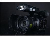 手持式专业摄像机 松下HC-PV100外观图赏