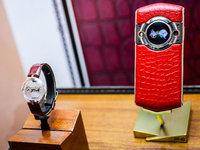 腕表艺术奢华升级 8848 M5钛金手机现场图赏