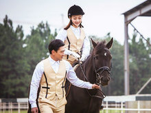 《职场》王耀庆潘之琳应采儿情感成谜