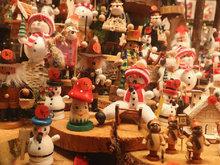 德国圣诞市集开幕 点亮各色梦幻彩灯
